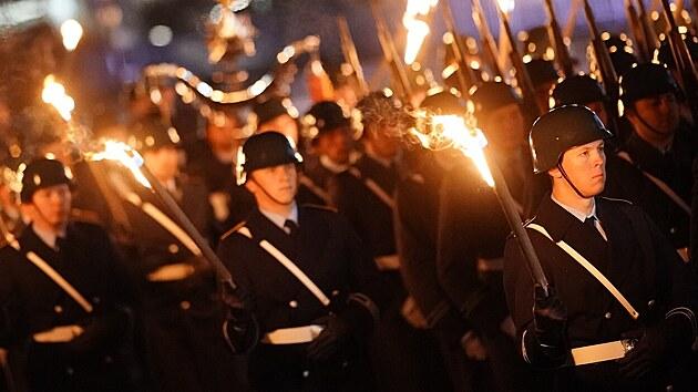 Jako nacisté, slyší veteráni po pochodu před Říšským sněmem