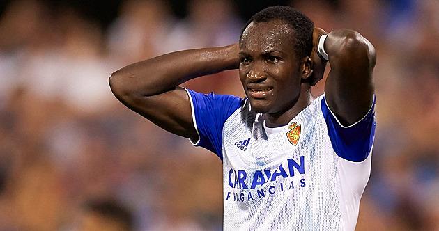 Po kolapsu fotbalisty Dwameny se nedohrálo osmifinále Rakouského poháru