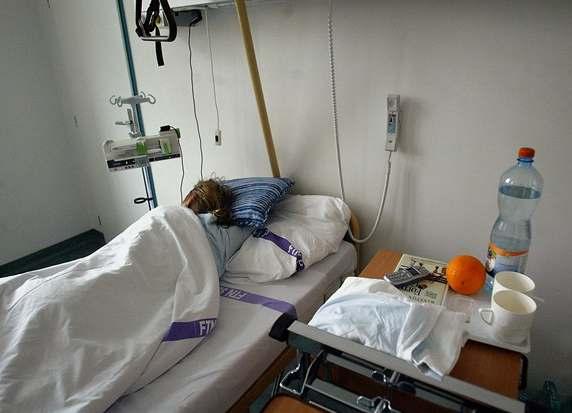 Pacient dostal za pobodání sestry 11,5 roku