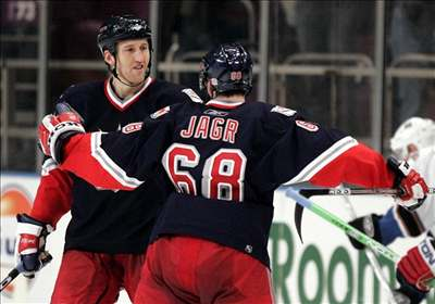 Malík rozhodl nejdelší sérii nájezdů v historii NHL