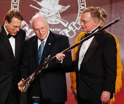 Cheney postřelil na honu lovce