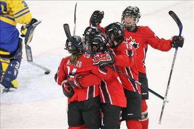 Kanadské hokejistky obhájily zlato