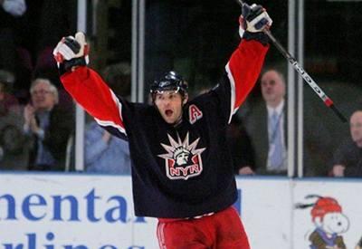 Thornton vede nad Jágrem v NHL o tři body