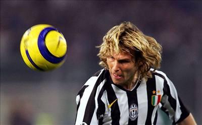 Juventus vypadl, Nedvěda vyloučili