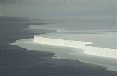 Život se mohl zrodit i v ledu