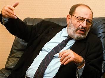 """Umberto Eco nesnáší autora """"Šifry"""" Browna"""
