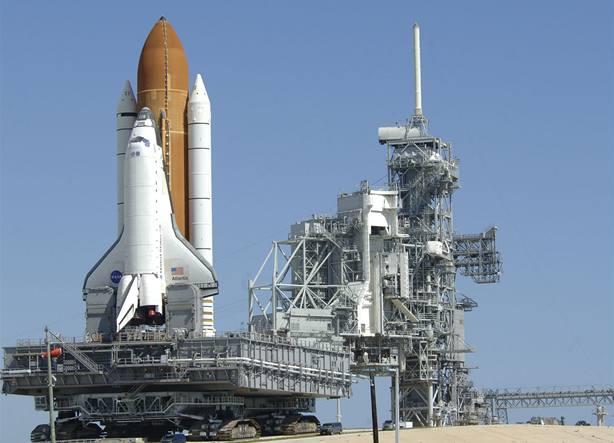 Raketoplán Atlantis přistál na vesmírné stanici