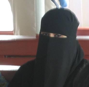 Nizozemci chtějí zakázat zahalování tváře