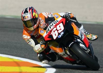 Hayden sebral Rossimu titul mistra světa v MotoGP