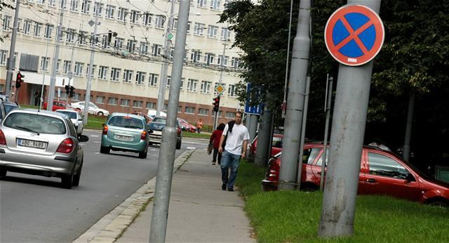 Města zrušila dopravní značky. A řidiči jezdí lépe