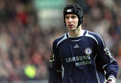 Uzdravený Čech neodvrátil prohru v Liverpoolu
