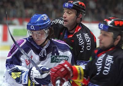 Hadamczik vyzkouší i Pateru s Procházkou