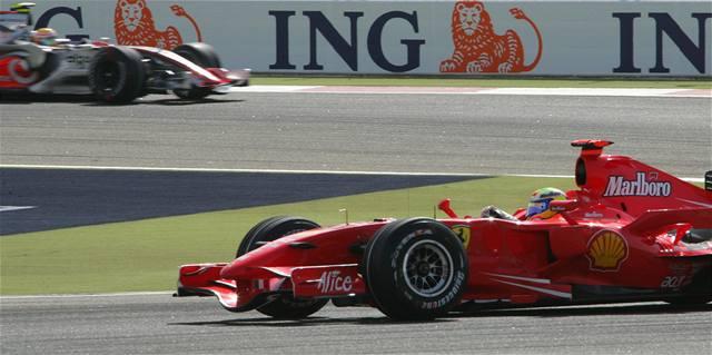 Hamilton se stal nejlepším nováčkem formule 1