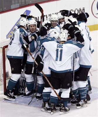 NHL: Sabers a Sharks jsou v druhém kole play off