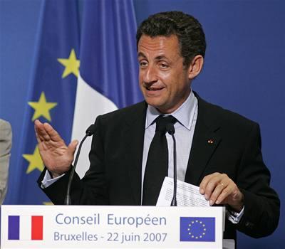 Paříž tlačí na Iry: Hlasujte znovu