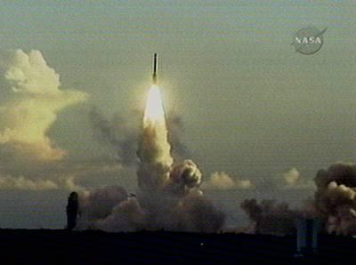 Sonda se vydala za vznikem Sluneční soustavy