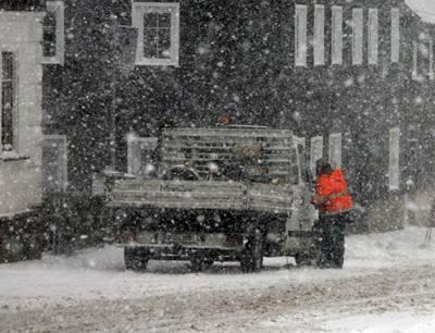 Řidiče v Praze čeká první zimní zkouška