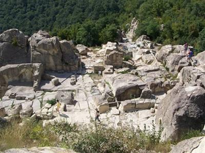 Svatyni Dionýsa ukrývaly hory