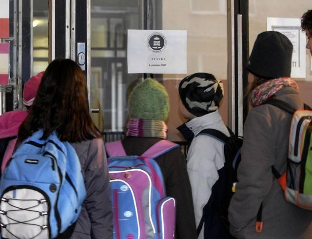 Zvláštní školy Romům škodí