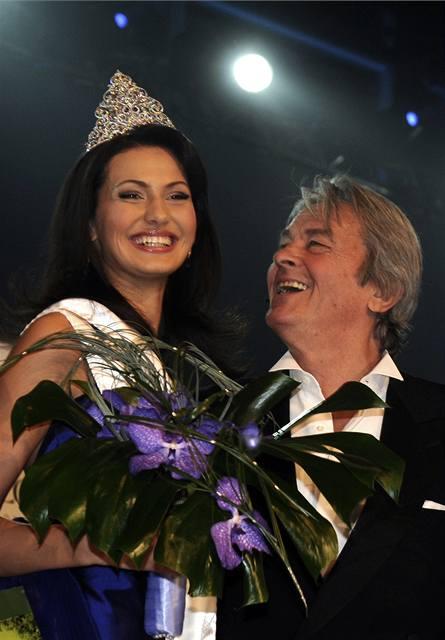 V odletové hale byla zvolena Česká Miss