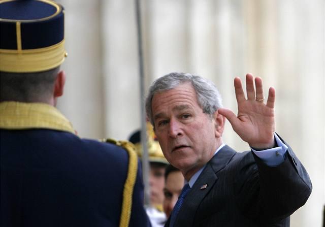 Bush se přijel rozloučit do Iráku