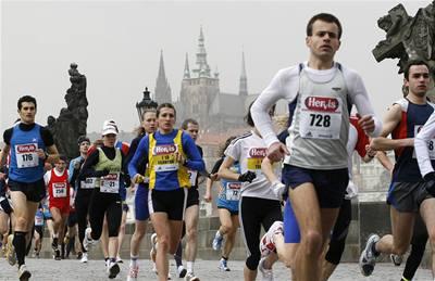 Hlavní hvězdu maratonu skolila malárie