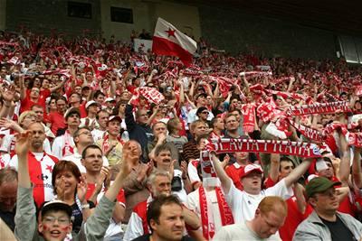 Slavia je mistr, Baník má Pohár UEFA