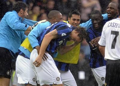 Inter Milán dokonal hattrick