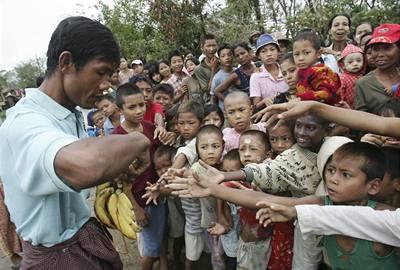 Barma vpustí všechny humanitární pracovníky