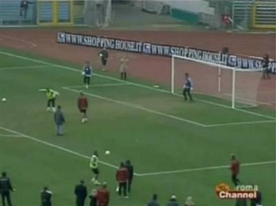 Tottiho penalta patičkou