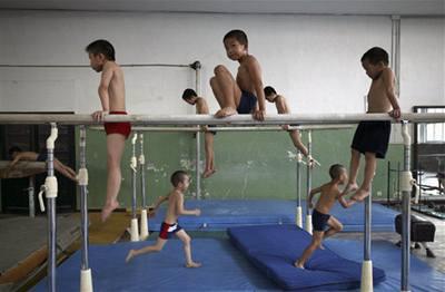Čína tvoří supersportovce