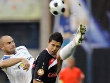 Slavia prohrála díky sporné brance