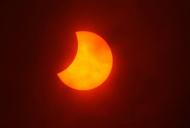 Svět opět pozoroval zatmění Slunce