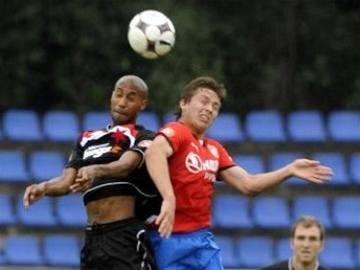 Slavia proti deseti urvala jen remízu