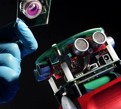 Vědci sestrojili robota s potkaním mozkem