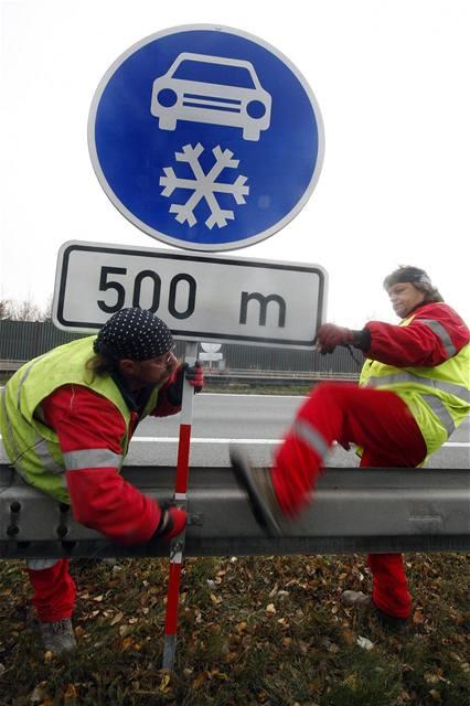 Na D1 na Vysočině jsou povinné zimní pneu