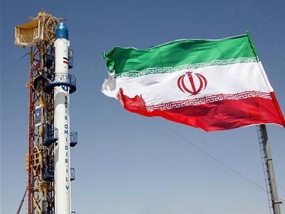 Írán o svých raketách blufuje