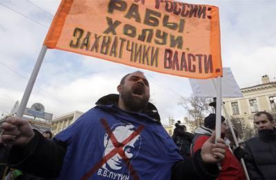 Demonstranti žádali Putinovu demisi