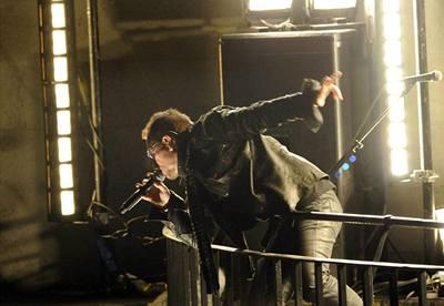 Bono laškuje