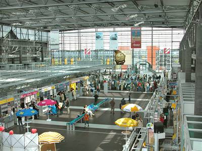 Letiště v Drážďanech se učí česky