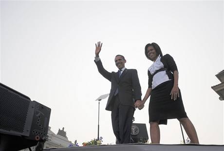 Obama jako Kennedy: Přivedl jsem Michelle