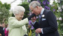 Princ Charles dostal od matky medaili