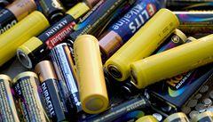 Vědci představili baterie ve spreji. Nastříkáte je na cokoli