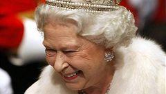Britské královně nestačí peníze na chod domácnosti, chce víc