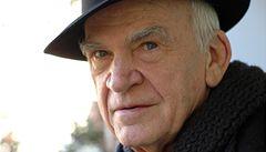 Kundera přeložil části svých knih do češtiny