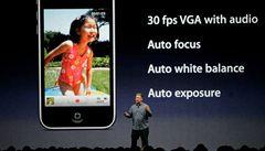 Apple zlevnil notebooky a představil nový iPhone