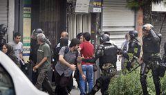 Nepokoje v Íránu, policie zadržela přes sto reformních činitelů