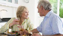 Ženy v 50 letech mají lepší paměť než muži, dokázali vědci