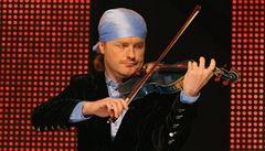 Houslista Šporcl chystá turné s romskou cimbálovou kapelou