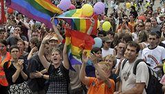 Na pochod gayů útočili extremisté
